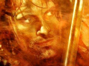 Aragorn, per diventare eroe ha dovuto compiere un periglioso cammino in salita...