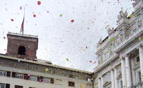 Pioggia di coriandoli in occasione della visita del Papa - Foto Andrea Macco
