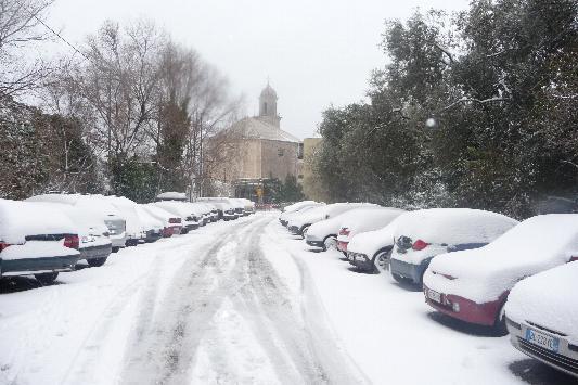 Il piazzale del Santuario della Madonnetta - nevicata del 7 gennaio 2009