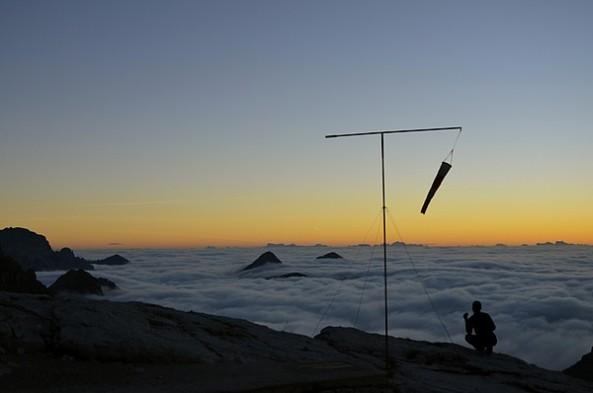 montagne mare nubi